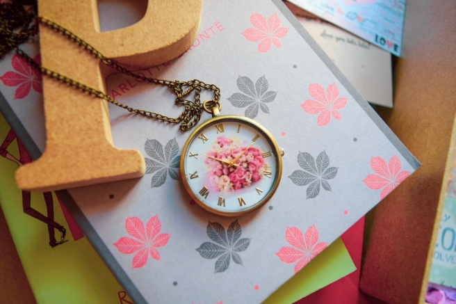 Floral necklace watch